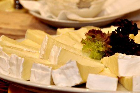 【今月のチーズ】アズィアーゴ ヴェッキオ ASIAGO VECCHIO