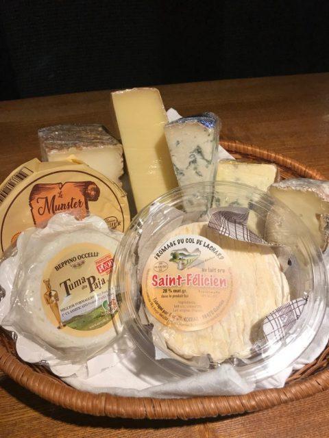 今月入荷したチーズです