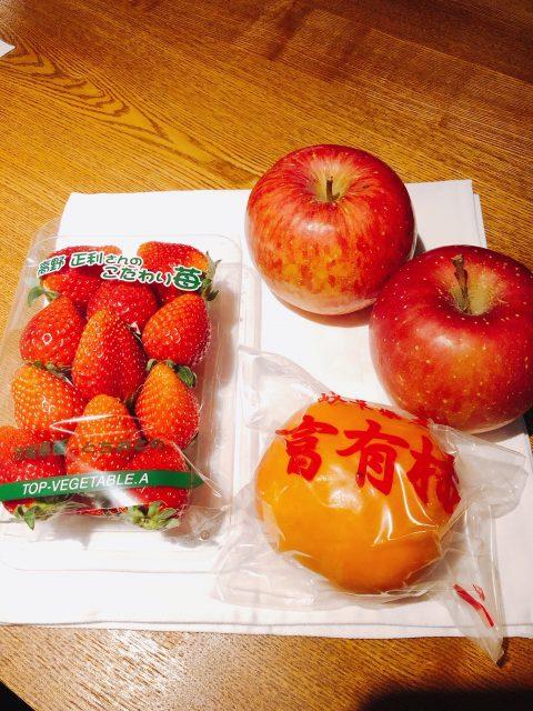 本日は柿と苺が絶品です