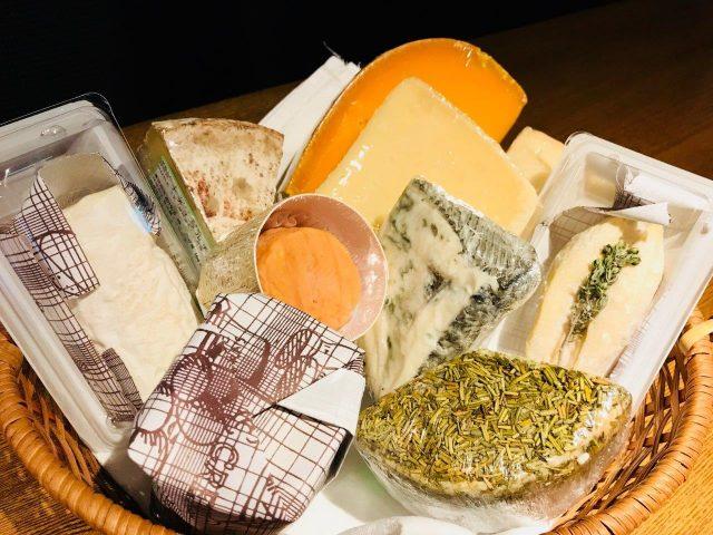 今月も素晴らしいチーズが入荷しております