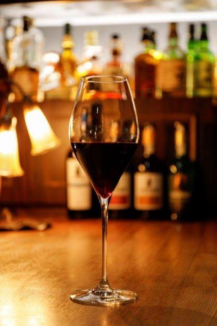 肌寒い日には赤ワインを