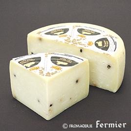 【今月のチーズ】ペコリーノ スタジオナート コン ペペ PECORINO STAGIONATO CON PEPE