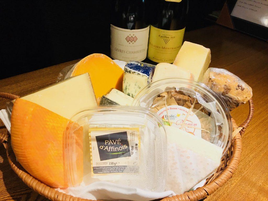 本日新しいチーズが入荷致しております
