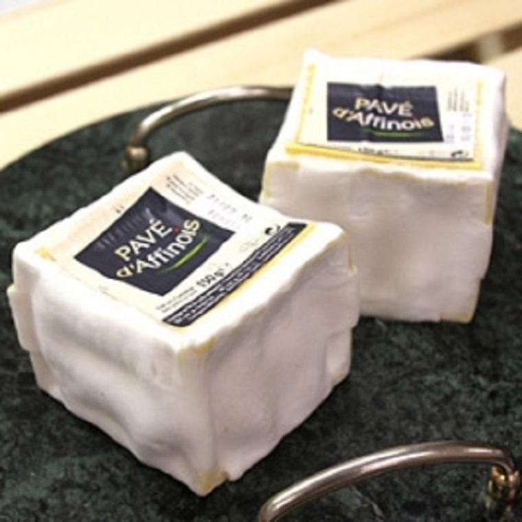 【今月のチーズ】パヴェ ダフィノア PAVE D'AFFINOIS