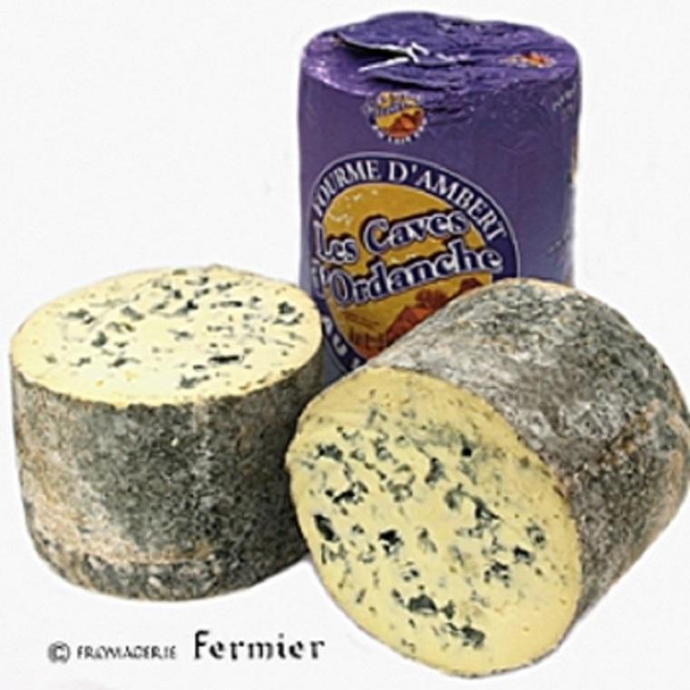 【今月のチーズ】フルム ダンベール オ レ クリュ FOURME D'AMBERT AU LAIT CRU