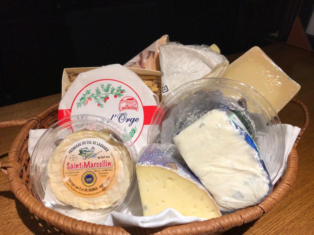 本日チーズが入荷いたしました