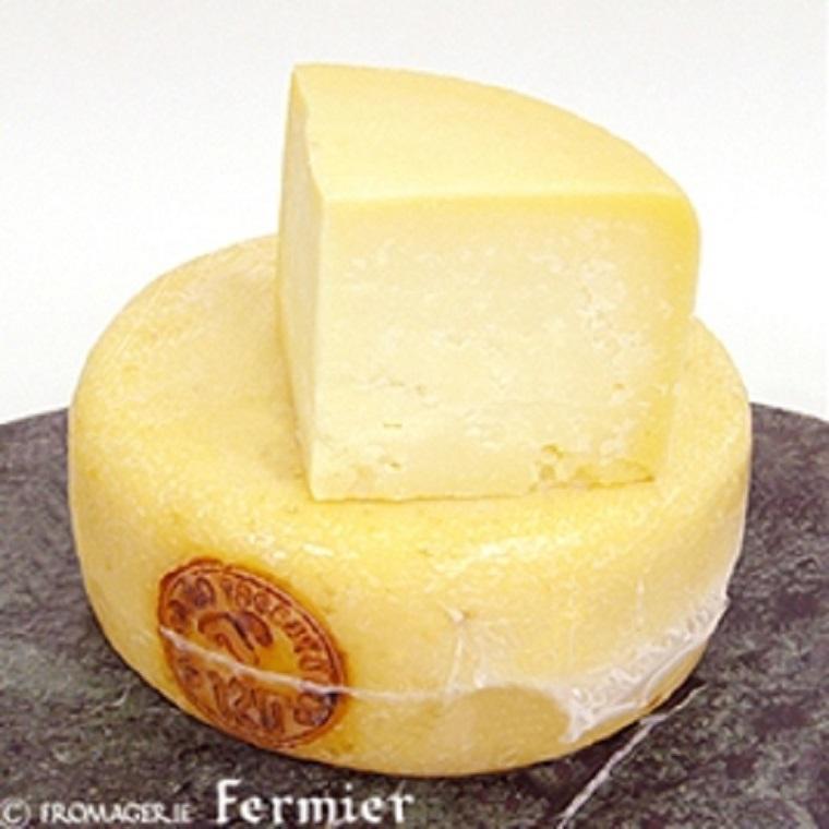【今月のチーズ】ペコリーノ トスカーノ スタジオナート PECORINO TOSCANO STAGIONATO