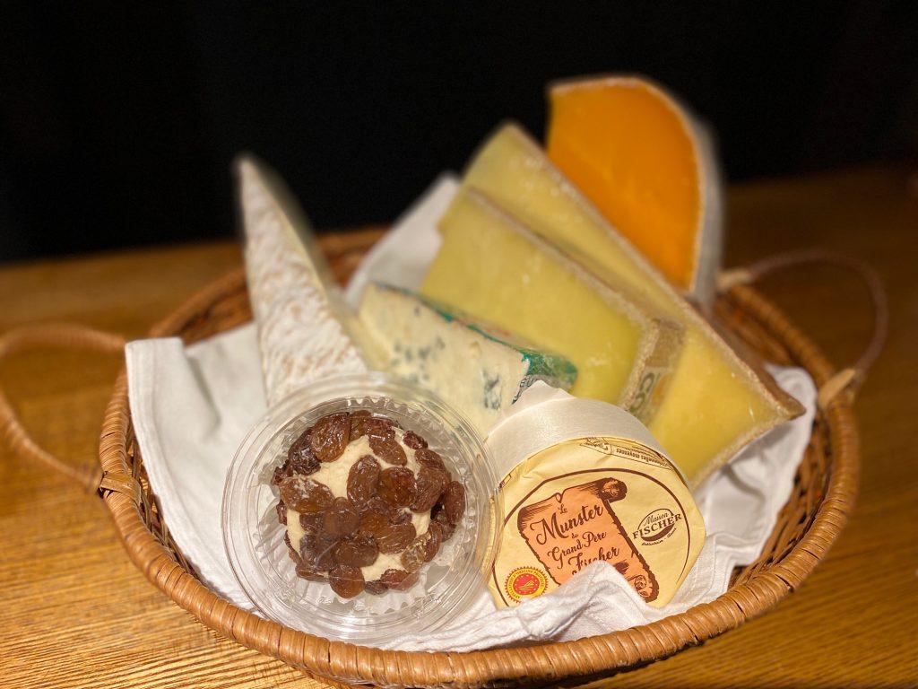 本日新しいチーズが入荷致しました