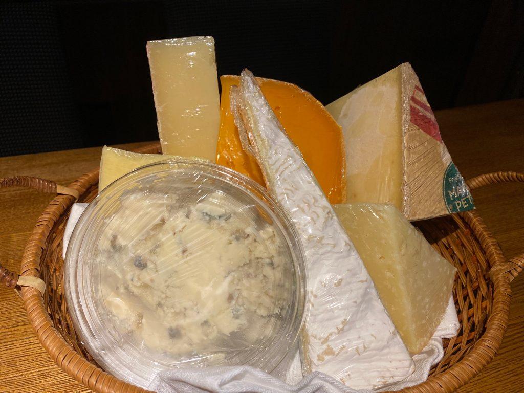本日新しいチーズが入荷いたしました